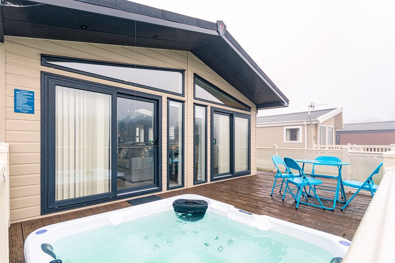 Alder Lodge with Hot Tub, holiday rental in Millington