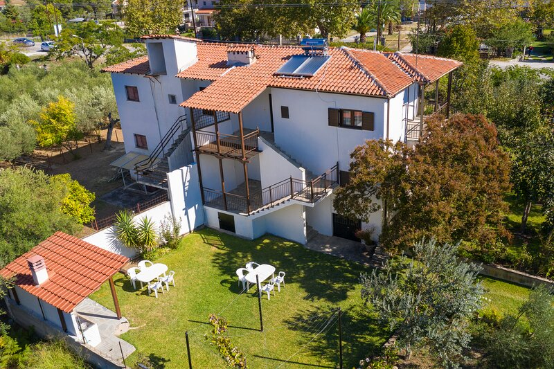 Blooming Memories A2, holiday rental in Vourvourou