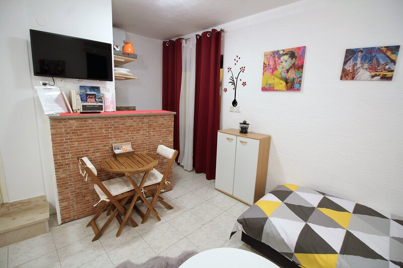 Apartment for 2 in the heart of the old town! 100, vacation rental in Sibenik