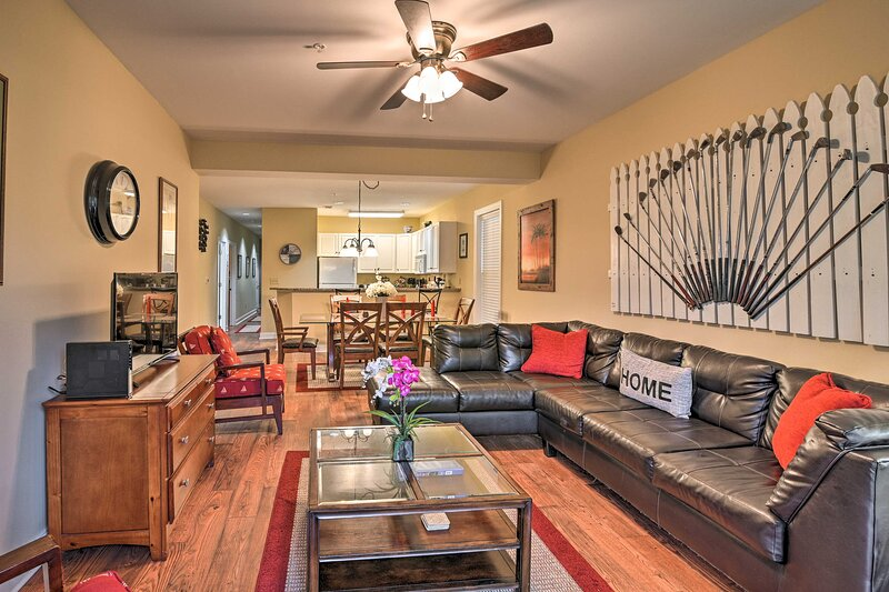 Resort Condo w/ Pool Access: 6 Miles to Boardwalk!, holiday rental in Forestbrook