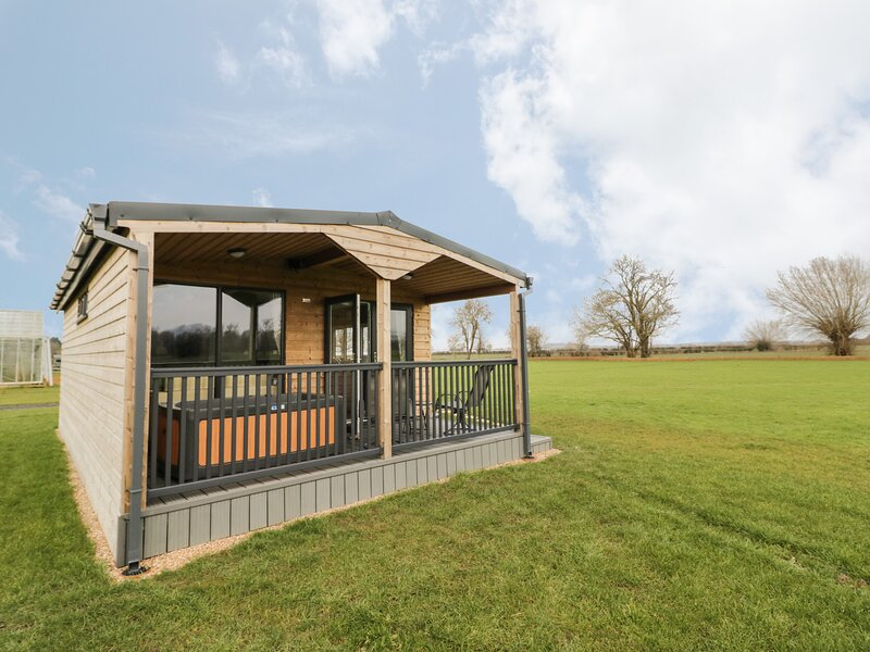 New Lodge 1, Honeybourne, holiday rental in Offenham