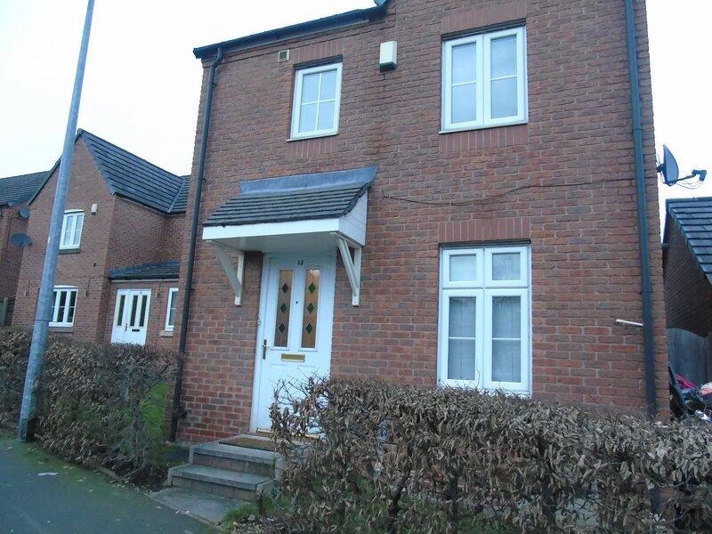 Swinton 3-Bedroom House, vacation rental in Salford