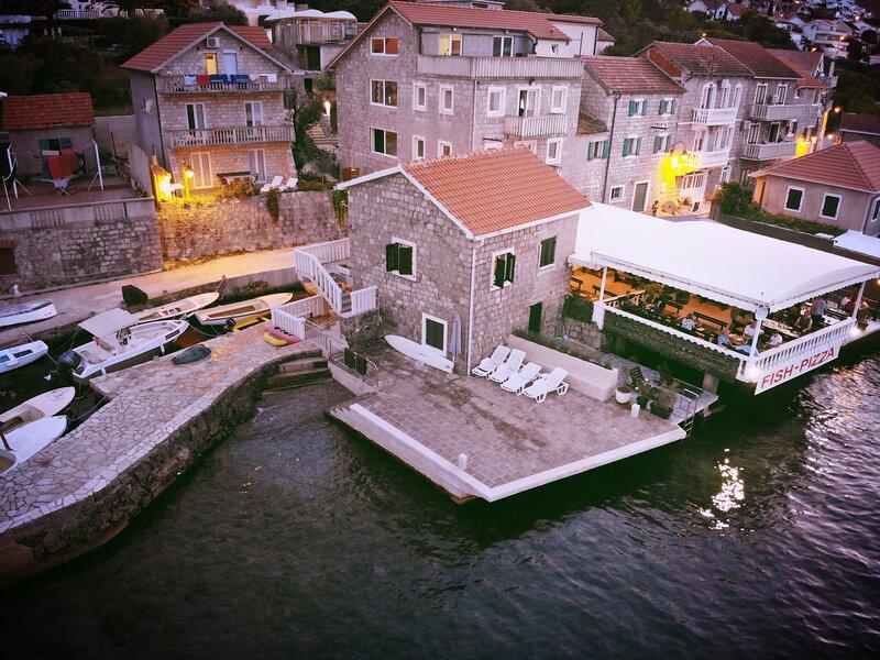 Old Fisherman House Krasici, alquiler de vacaciones en Tivat
