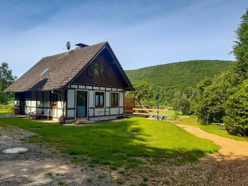Haus am Fluss, casa vacanza a Derental