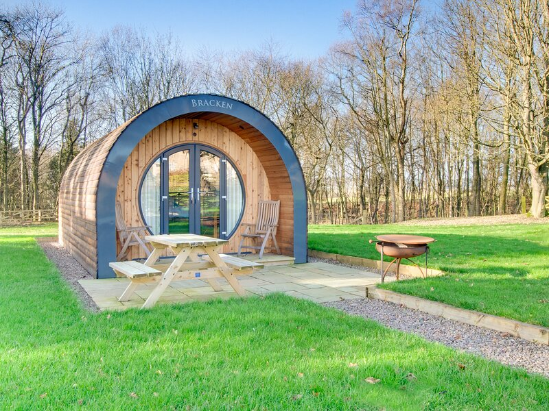 BRACKEN, luxury, spacious pod, Swarland, Ferienwohnung in Newton on the Moor