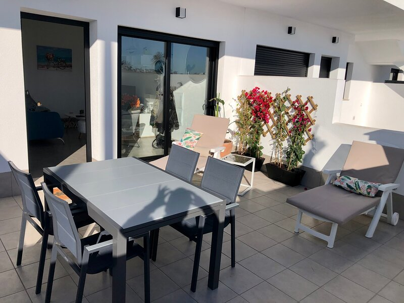 Luxe nieuwbouw gelijkvloers appartement, location de vacances à San Pedro del Pinatar