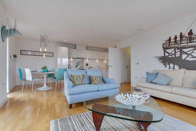 Luxury Modern Living in East London, holiday rental in Stratford City