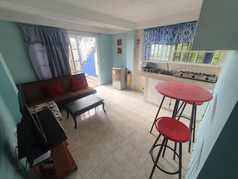 Sound Bay Beach Apartments- Apartment 1A, aluguéis de temporada em San Luis