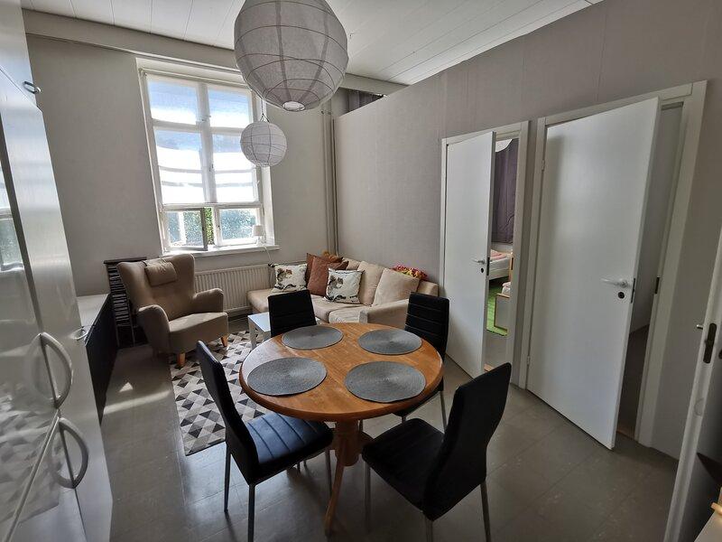 Stunning 2-Bed Apartment in Kotka, casa vacanza a Pyhtaa