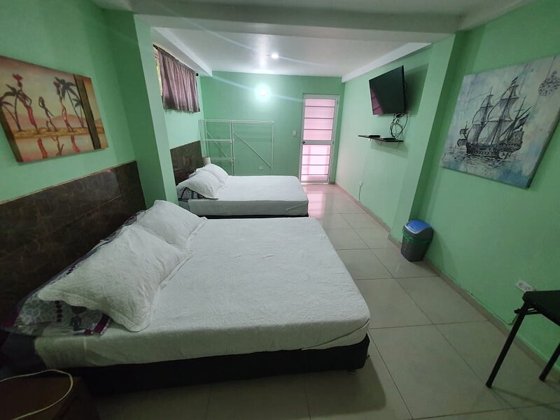 Sound Bay Beach Apartments- Apartment 1B, casa vacanza a San Luis