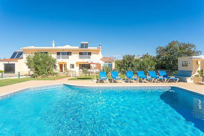 Villa Misofia, location de vacances à Vale do Garrao