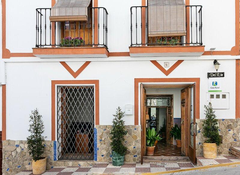 Casa Rural Del Río - Altabaca - Alozaina Sierra de Las Nieves, aluguéis de temporada em Alozaina