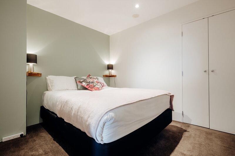 ✨Newly refurbished 1 bedroom apt near Spark✨Arena *FREE WIFI* - Large weekly and, aluguéis de temporada em Pakuranga