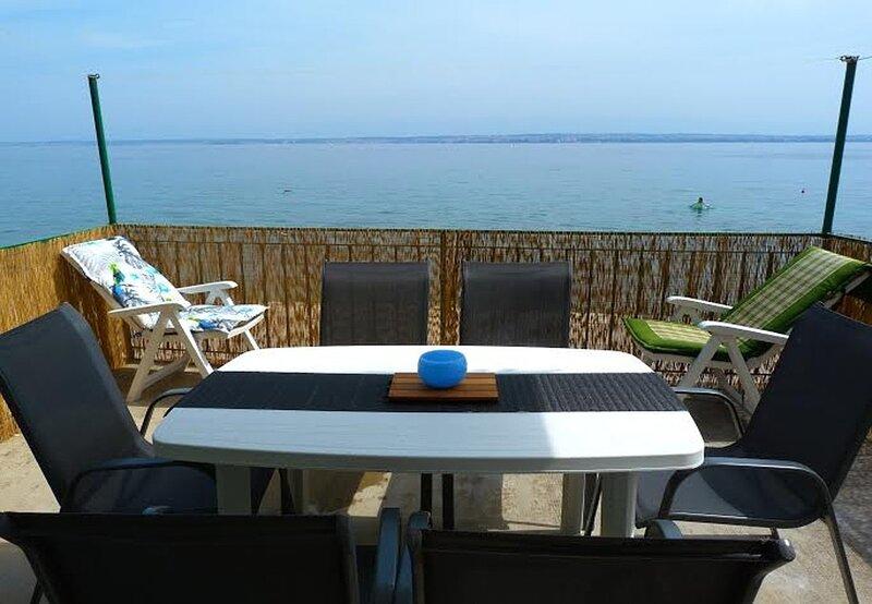 Villa Jadran - 10 m from beach: H(6+2) - Preko, holiday rental in Preko