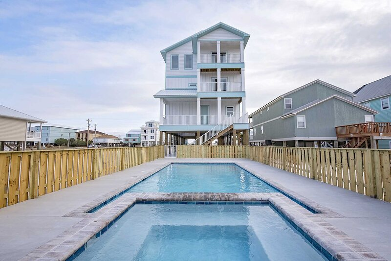 Brand New ~ 10 Bedroom ~ Gulf Views ~ Large Private Pool & Hot Tub ~ 10 Bedroom, alquiler de vacaciones en Gulf Shores