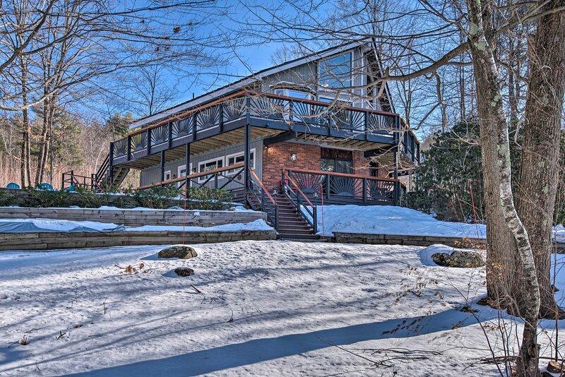 NEW! Pet-Friendly Gilford Home by Gunstock Ski Mtn, location de vacances à Gilford