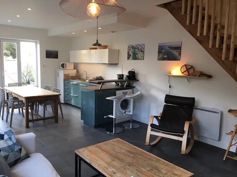Maison entière avec accès direct à la plage, holiday rental in Lion-sur-mer