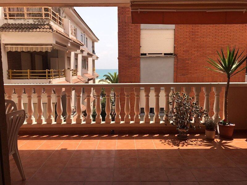 Apartamento 2 habitaciones en la playa de Moncófar. Segunda línea de playa., holiday rental in Eslida