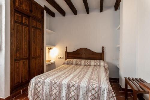 Casa Rural Del Río - Jara - Alozaina Sierra de Las Nieves Málaga, holiday rental in Gibralgalia