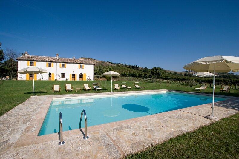 San Ruffillo Villa Sleeps 16 with Pool and WiFi - 5880678, alquiler vacacional en Dovadola