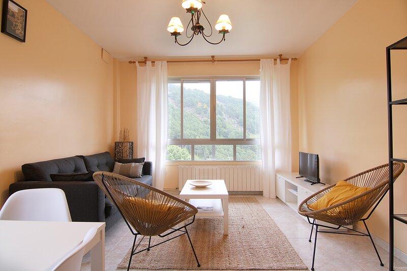 LA PEÑITA, apartamento de 3 habitaciones en la Sierra de Gredos., location de vacances à Mombeltran