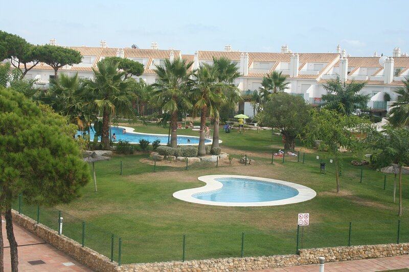 Townhouse next to the golf course NP14442, holiday rental in El Portil