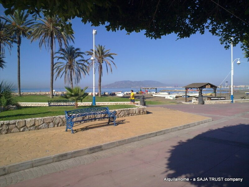 Beach located 2-Bed House in Málaga, holiday rental in Pedregalejo