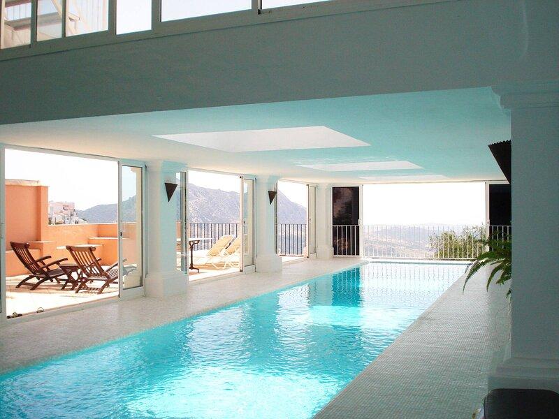 Gaucin Apt Private Heated Pool, holiday rental in Benarraba