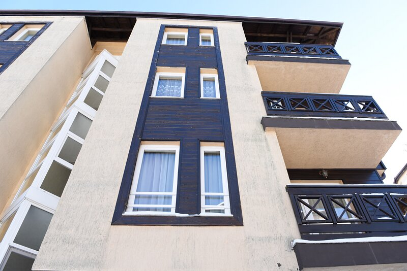 Olala Bansko Apartment at Bojurland, location de vacances à Dobrinishte