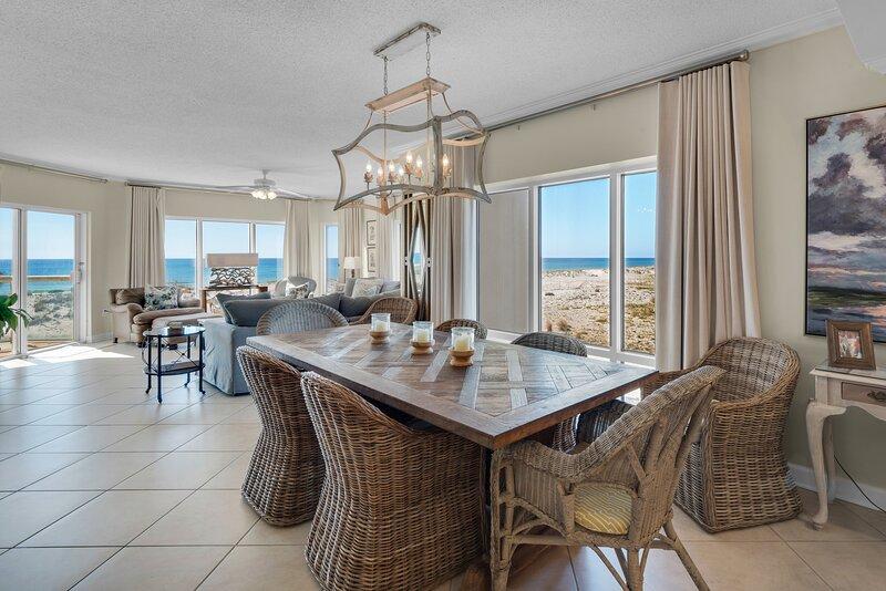Stunning 3 Bedroom Emerald Isle 108, alquiler de vacaciones en Pensacola Beach