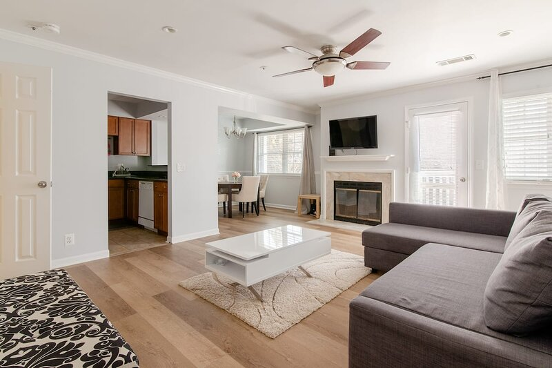 Quiet 2 bed near Red Line metro - NIH/Walter Reed, holiday rental in Cloverly