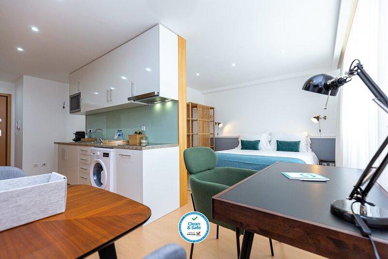 Feel Porto Corporate Housing CC3 (Teletrabajo), vacation rental in Valongo