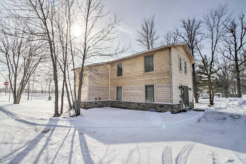 NEW! Remote Retreat - Cozy Home on Big Pine Lake!, location de vacances à Ottertail