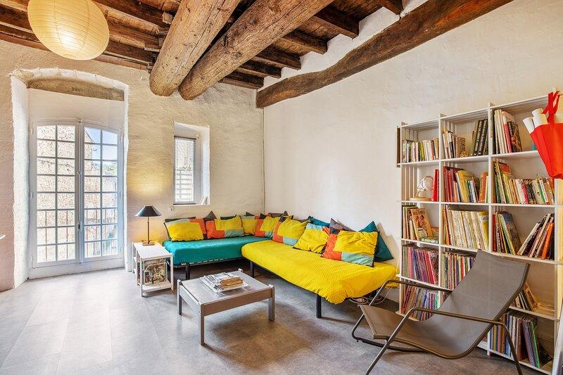 Amazing studio with balcony, holiday rental in Villeneuve-les-Avignon