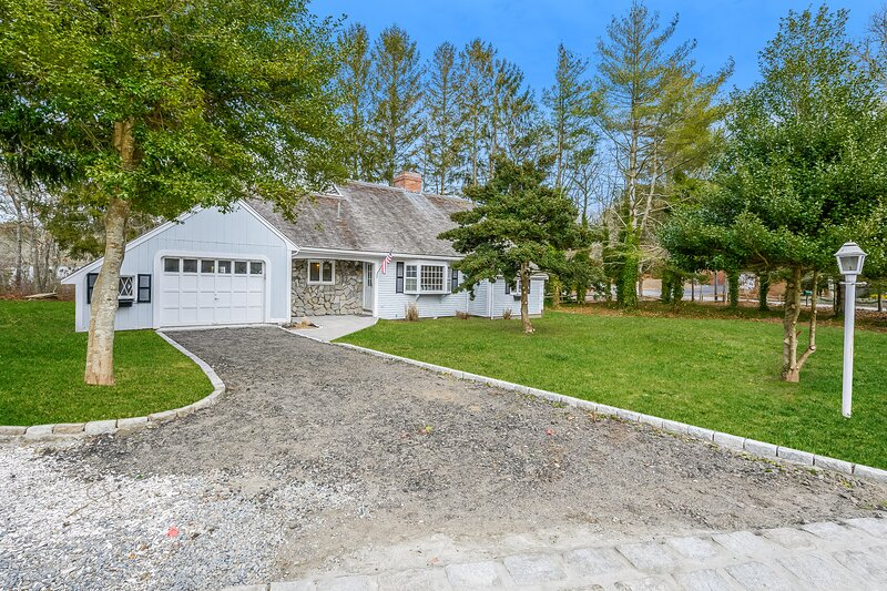 2 Cove Road Harwich Cape Cod ~  Cozy Cove, holiday rental in South Orleans