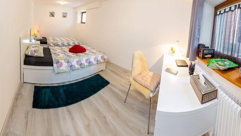 Chambre cosy avec bureau