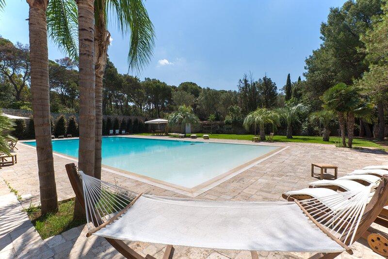 Villa a mare grande piscina, tennis, calcetto m750, casa vacanza a Santa Caterina