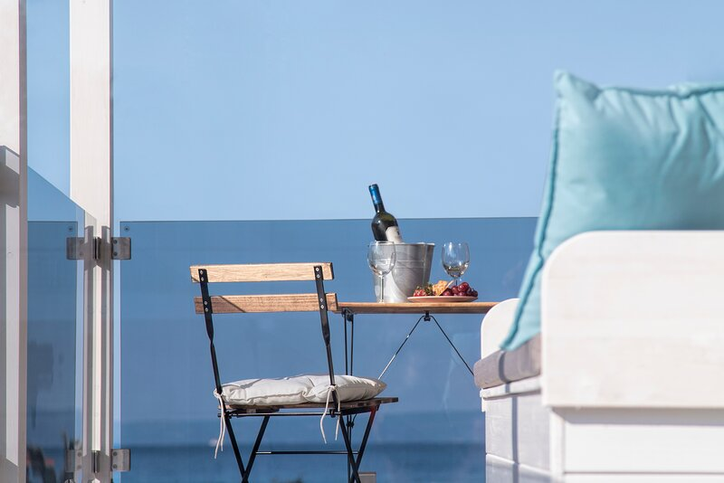 AnandaHomes Suite Sea View A breath away from the golden beach., holiday rental in Agia Paraskevi