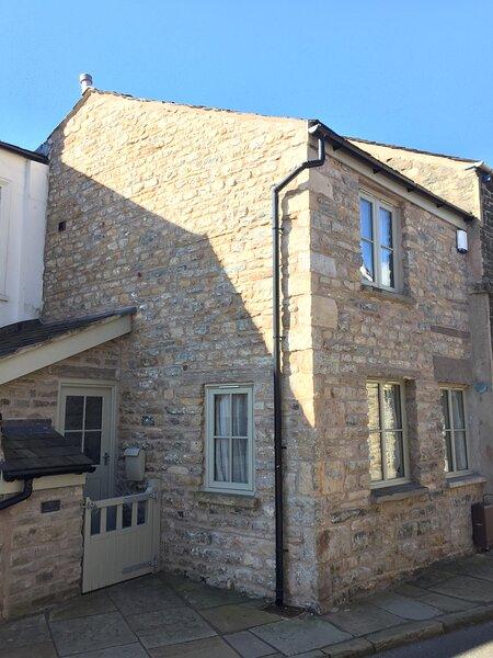Stunning cottage renovation, vacation rental in Middleton