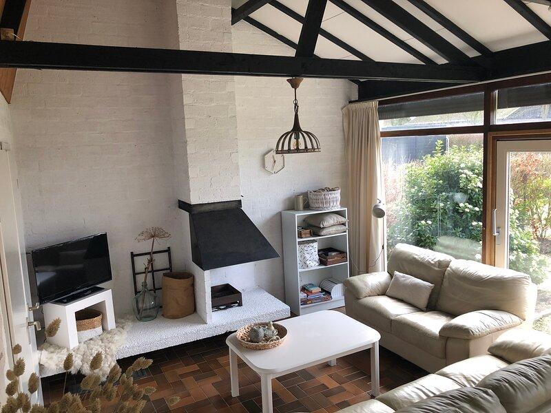 Ferienhaus für 6 Personen in Strandnähe mit Garten in Sint Maartenszee, vacation rental in Schagerbrug