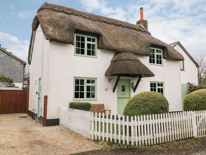Thatchings, Stratton, holiday rental in Stratton