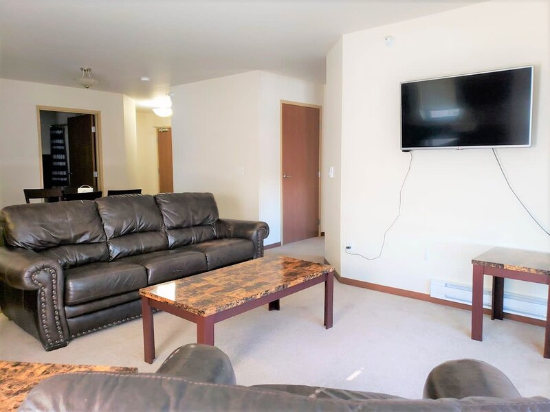 WC-Fully furnished 2 bed/2 bath 2-202, vacation rental in Keene