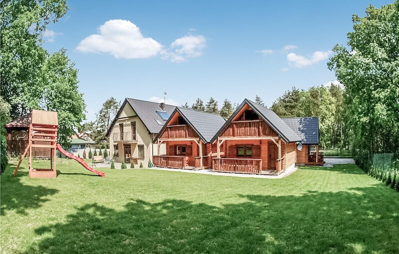 Beautiful home in Jaroslawiec with WiFi and 2 Bedrooms (PPO751), vacation rental in Lacko