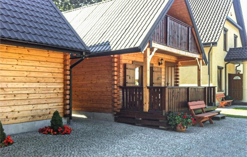 Stunning home in Jaroslawiec with WiFi and 2 Bedrooms (PPO753), vacation rental in Lacko