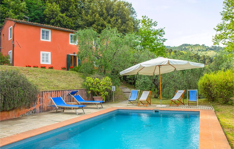 Amazing home in San Martino in Vignale with Outdoor swimming pool, WiFi and 3 Be, casa vacanza a San Macario in Monte