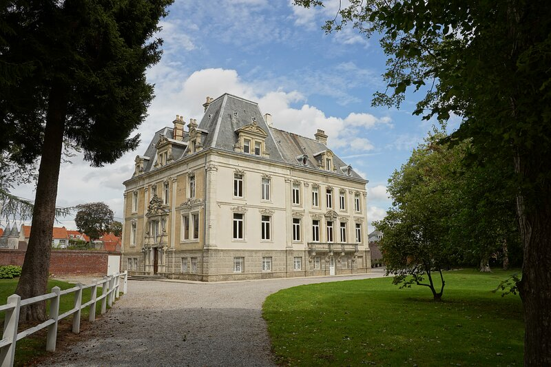 Chateau d'Hallines, holiday rental in Nielles-le-Blequin