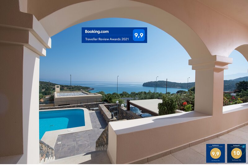 Sea Breeze Villa by Voulisma beach, at Istron Crete, accommodates max 7 people., holiday rental in Pachia Ammos