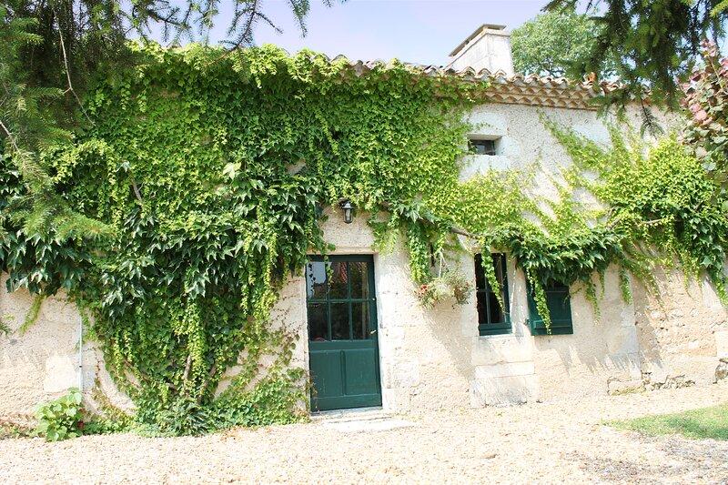 L'Atelier, Le Manoir de Longeveau, holiday rental in Saint-Paul-Lizonne