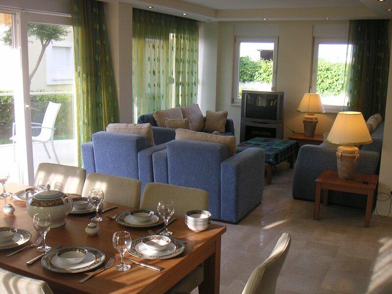 Stunning Large Villa Within Walking Distance Of Everything, holiday rental in Evrenseki