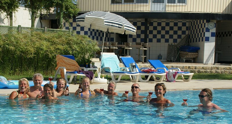 Stunning Large 4 bed Villa Within Walking Distance Of Everything beach, holiday rental in Evrenseki
